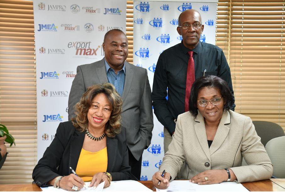 Business people signing Memorandum of Understanding MOU for export programme